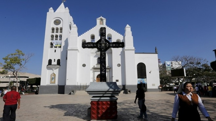 A Catholic nun walks outside the San Marco cathedral in Tuxtla Gutierrez, Chiapas, Mexico. (Reuters)
