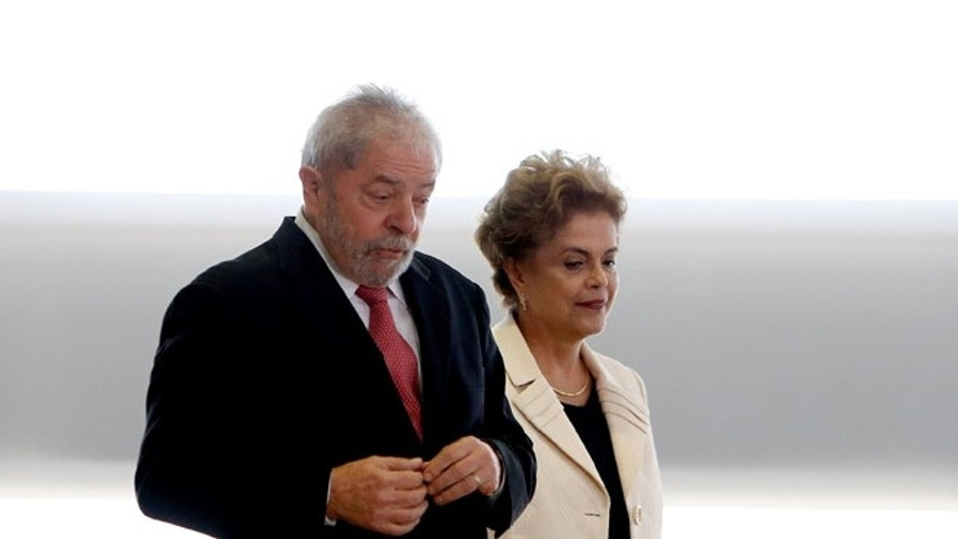 Brazil's former president, Luiz Inacio Lula da Silva and President Dilma Rousseff on March 17, 2016 in Brasilia.