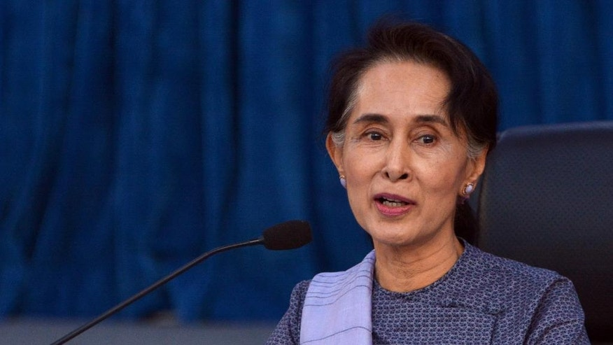 Myanmar Foreign Affair Minister Aung San Suu Kyi speaks during a meeting with diplomats at the ministryof Foreign Affairs, Friday, April 22, 2016, in Naypyitaw, Myanmar. Aung San Suu Kyi met Friday with foreign diplomats at her Foreign Ministry. (AP Photo/Aung Shine Oo)