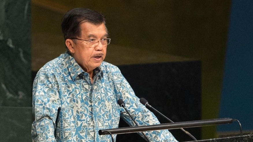 """FILE - In this Oct. 2, 2015 file photo, Indonesia's Vice President Jusuf Kalla addresses the 70th session of the United Nations General Assembly at U.N. headquarters. Kalla on Monday, May 9, 2016 called on Islamic leaders to spread messages about a tolerant Islam to curb extremism that often springs from misinterpretation of Islamic teachings. Speaking at the opening of the International Summit of the Moderate Islamic Leaders, Kalla said he believes that youths who don't have deep faith are susceptible to be militants, not for wealth or political cause, but rather as a """"shortcut"""" to heaven. (AP Photo/Craig Ruttle, File)"""