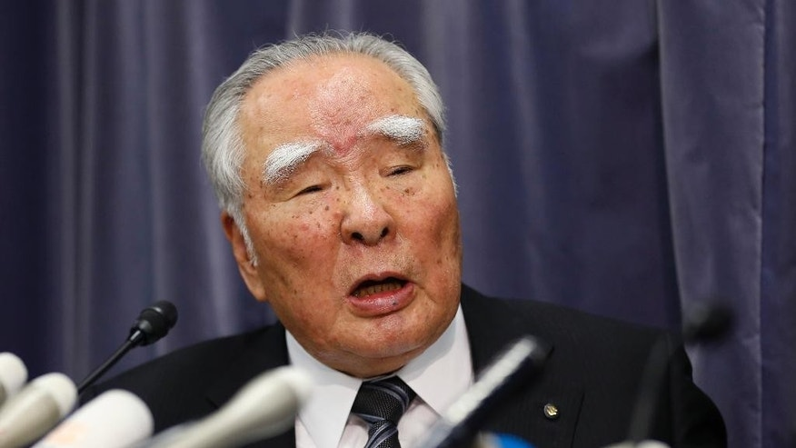 Suzuki Motor Corp. Chairman and Chief Executive Osamu Suzuki speaks during a press conference in Tokyo, Wednesday, May 18, 2016. Japanese automaker Suzuki apologized for improper road tests on some of its models but denies it illegally falsified mileage numbers. (AP Photo/Shizuo Kambayashi)