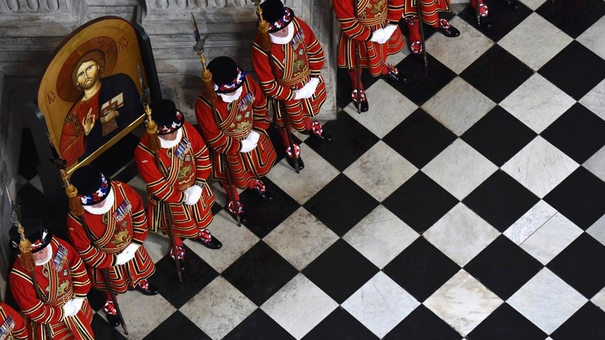 June 10, 2016: Yeoman of the Guard line up for a National Service of Thanksgiving to mark the 90th birthday of Britain's Queen Elizabeth II at St Paul's Cathedral in London.