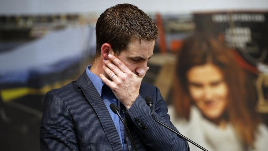 "Brendan Cox, widower of murdered British MP Jo Cox,  makes a speech during a gathering to celebrate her life, in Trafalgar Square, London, Wednesday, June 22, 2016. Jo Cox, a 41-year-old Labour lawmaker who had championed the cause of Syrian refugees, was stabbed and shot to death outside a library in her northern England constituency on Thursday. The suspect gave his name in court as ""death to traitors, freedom for Britain."" (AP Photo/Alastair Grant)"