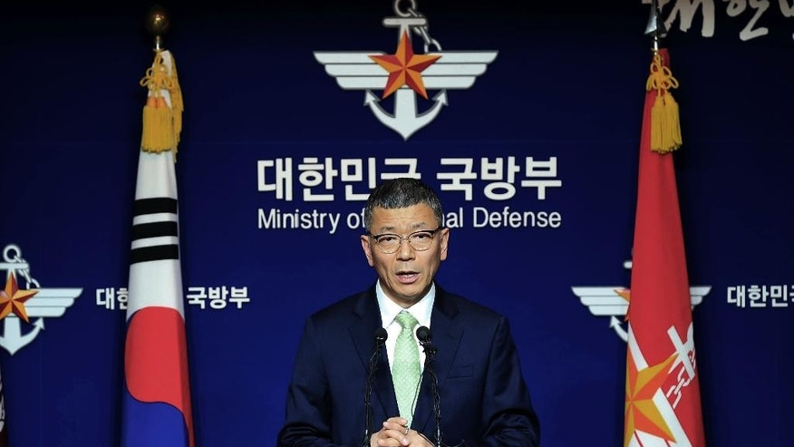 South Korean Defense Ministry's Deputy Minister for Policy Yoo Jeh-seung speaks to the media about deploying the Terminal High-Altitude Area Defense, or THAAD during a press conference at the Defense Ministry in Seoul, South Korea, Wednesday, July 13, 2016. (Hong Hea-in/Yonhap via AP) KOREA OUT