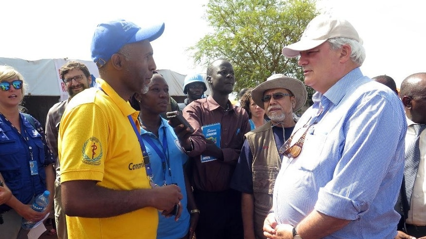 "In this photo released by the United Nations Mission in South Sudan (UNMISS), UN Humanitarian chief, Stephen O'Brien, right, meets UN Staff during his visit to Juba, South Sudan, Tuesday, Aug. 2, 2016. O'Brien urged ""all parties to commit to sustainable peace"". Denis Louro'/UNMISS via AP)"