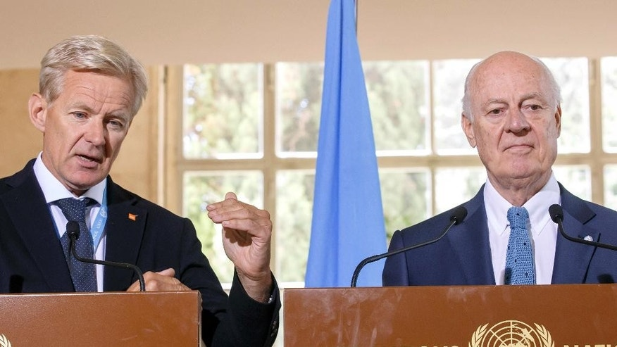 Staffan de Mistura, right, UN Special Envoy for Syria and Jan Egeland, left, Senior Advisor to the United Nations Special Envoy for Syria, attend a news conference after the meeting of the International Syria Support Group's Humanitarian Access Task Force at the European headquarters of the United Nations in Geneva, Switzerland, Thursday, Aug.11, 2016. (Salvatore Di Nolfi/Keystone via AP)