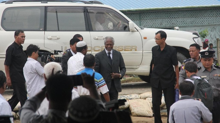 "Former United Nations Secretary-General Kofi Annan greets Rohingya community leaders as he arrives to the Internally Displaced People's camp in Thetkabyin village, outside Sittwe, the capital of Rakhine state, Wednesday, Sept. 7, 2016. Annan is visiting as part of a commission set up last month to help find solutions to ""protracted issues"" in western Rakhine state, where human rights groups have documented widespread abuses by majority Rakhine Buddhists against minority Rohingya Muslims. (AP Photo/Esther Htusan)"