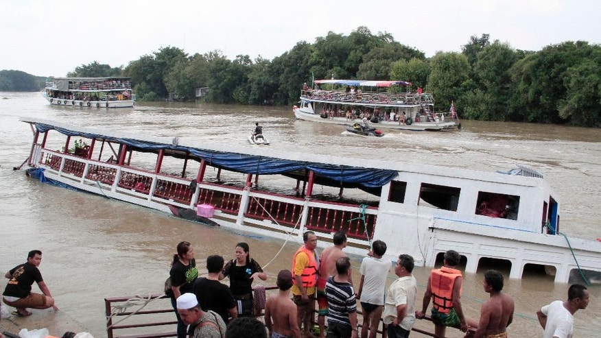 Bangkok thai officials say searchers have recovered 18 bodies and