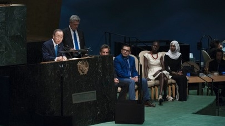 Secretary-General Ban Ki-moon accepts a 1.3 million signature-strong petition expressing solidarity with millions of refugees on Sept. 16, 2016. The #WithRefugees petition was launched on 19 June, World Refugee Day by the Office of the UN High Commissioner for Refugees (UNHCR).