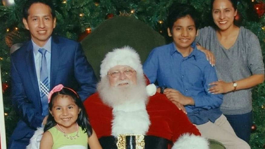 Giovani Jimenez, Lucia, Santa, Alex, Wendy Uruchi Contreras (Photo courtesy Casa)