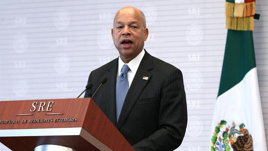U.S. Secretary of Homeland Security, Jeh Johnson, talks during a joint press conference with Mexican Foreign Affairs Secretary, Claudia Ruiz Massieu, in Mexico City, Mexico, on 11 October 2016. EFE/Jorge Nuñez