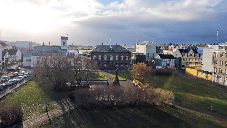 General view at the Iceland's parliament, Althing, at centre, in Reykjavik, Iceland, Wednesday, Oct. 26, 2016, ahead of upcoming Parliamentary Elections. Elections will be held in Iceland on Oct. 29, 2016, with the an anti-authoritarian Piratar (Pirate) Party as one of the front-runners according to public polls. (AP Photo/Frank Augstein)