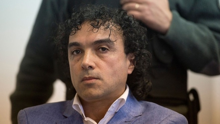 "Colombian drug trafficker Henry de Jesus Lopez Londono aka ""Mi Sangre"" attends his extradition trial to the United States at court in Buenos Aires on May 17, 2016.  / AFP / EITAN ABRAMOVICH        (Photo credit should read EITAN ABRAMOVICH/AFP/Getty Images)"