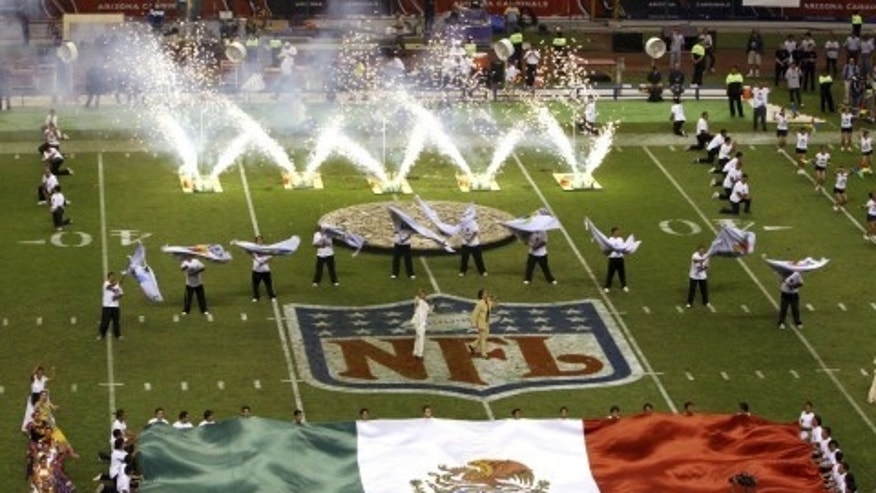 Raiders fans in Mexico use homophobic soccer chant during game with Texans