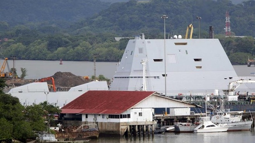 View of the U.S. Navy guided-missile destroyer USS Zumwalt in the former U.S. Naval Station Rodman, located at the Pacific entrance to the Panama canal, in Panama, November 23, 2016. EFE/Alejandro Bolivar.