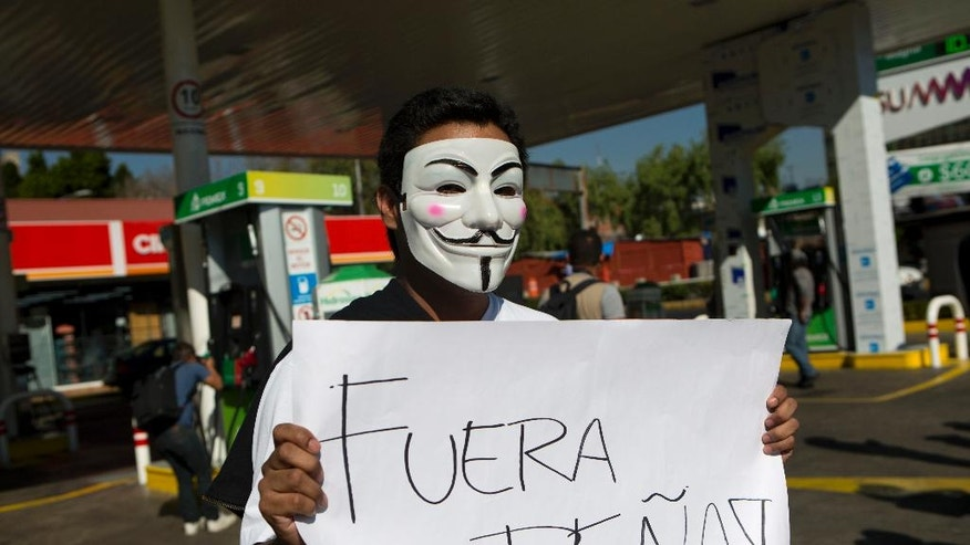 Mexicans block roads, stations to protest gasoline hikes ...