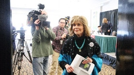 Jane Fonda leaves a press conference with indigenous leaders after speaking for indigenous rights, in Edmonton Alta, on Wednesday, Jan. 11, 2017. (Jason Franson/The Canadian Press via AP)