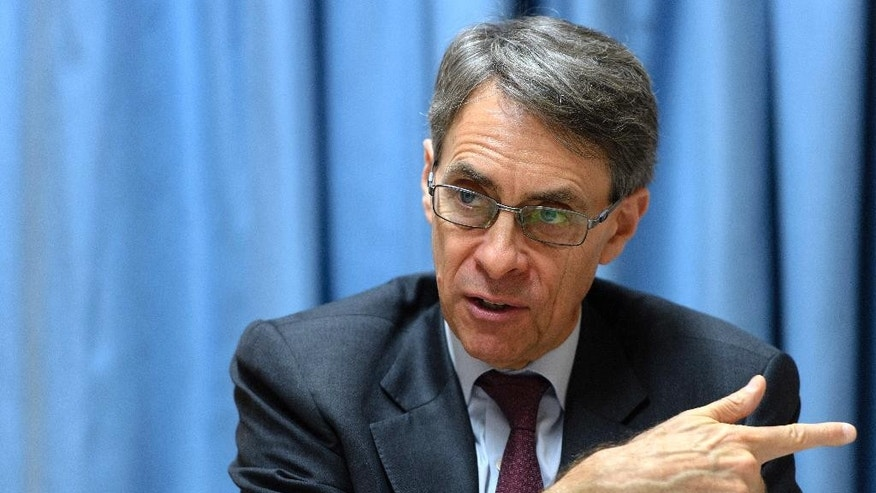 Kenneth Roth, Executive Director at Human Rights Watch, speaks to the media, during a press conference at the European headquarters of the United Nations in Geneva, Switzerland, on Wednesday, Jan. 25, 2017.  (Martial Trezzini/Keystone via AP)