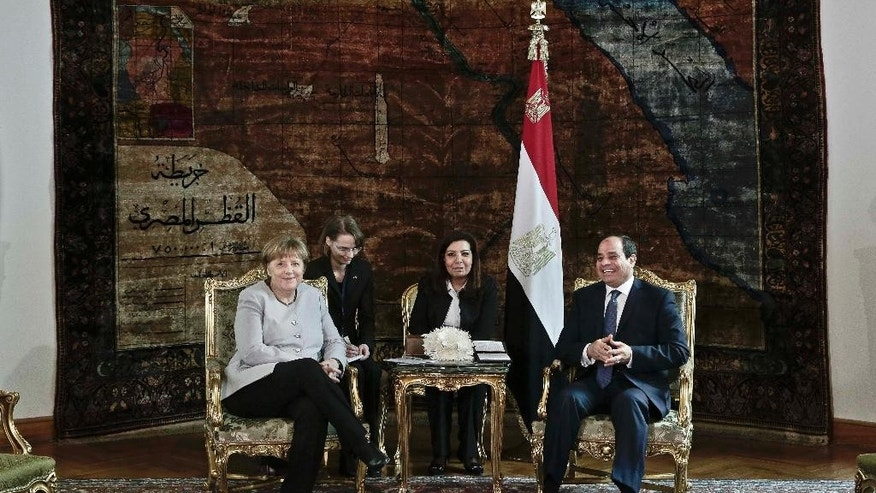 German Chancellor Angela Merkel, left, meets with Egyptian President Abdel-Fattah el-Sissi at the presidential palace in Cairo, Egypt, Thursday, March 2, 2017. (AP Photo/Nariman El-Mofty)