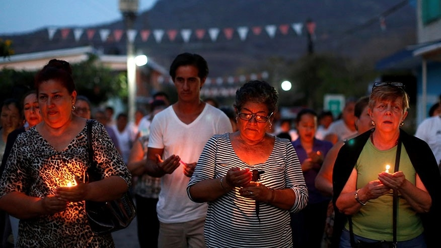 Mexican parents find drug-war mass grave, expose official ...