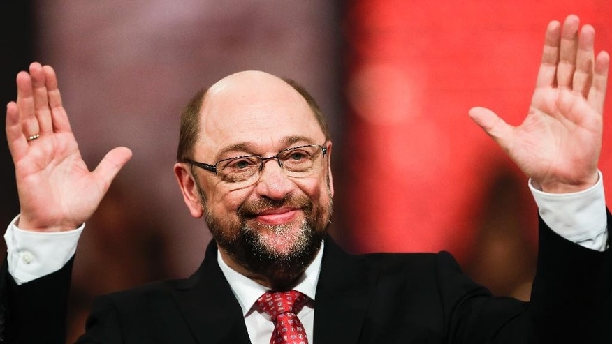 Designated Social Democratic Party, SPD, chairman and top candidate for the upcoming general elections Martin Schulz waves after his speech during an extraordinary party convention in Berlin, Sunday, March 19, 2017. (AP Photo/Markus Schreiber)
