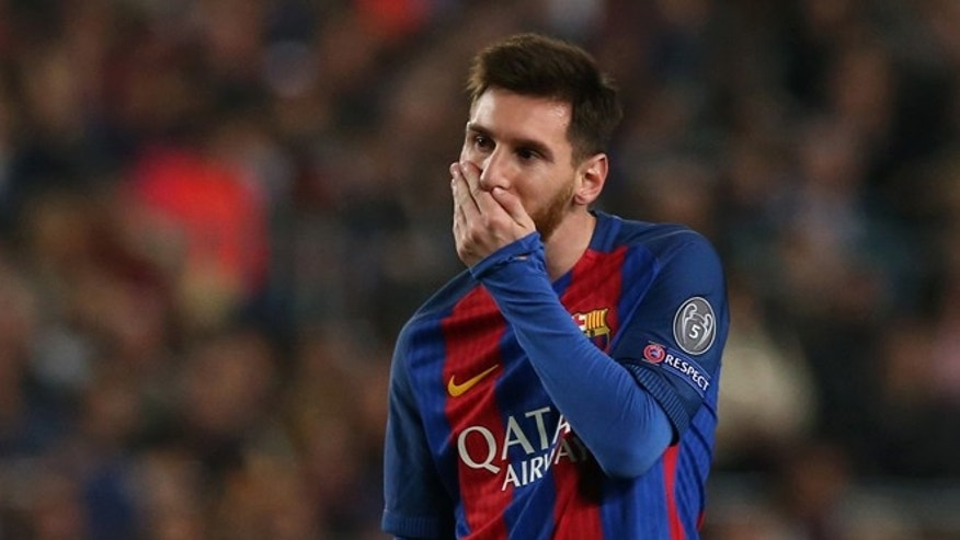 Football Soccer - Barcelona v Paris St Germain - UEFA Champions League Round of 16 Second Leg - The Nou Camp, Barcelona, Spain - 8/3/17 Barcelona's Lionel Messi looks dejected  Reuters / Albert Gea Livepic - RTS120WQ