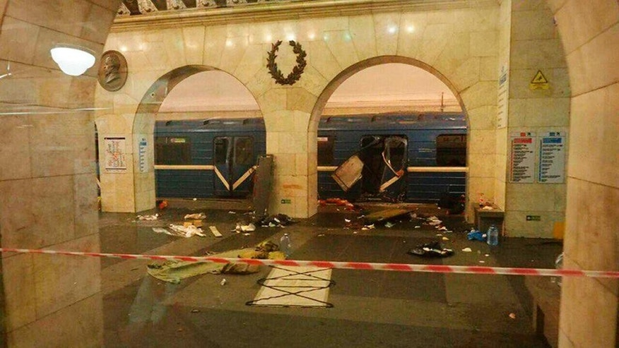 A subway train hit by a explosion stays at the Tekhnologichesky Institut subway station in St.Petersburg, Russia, Monday, April 3, 2017. The subway in the Russian city of St. Petersburg is reporting that several people have been injured in an explosion on a subway train. (AP Photo/www.vk.com/spb_today via AP)