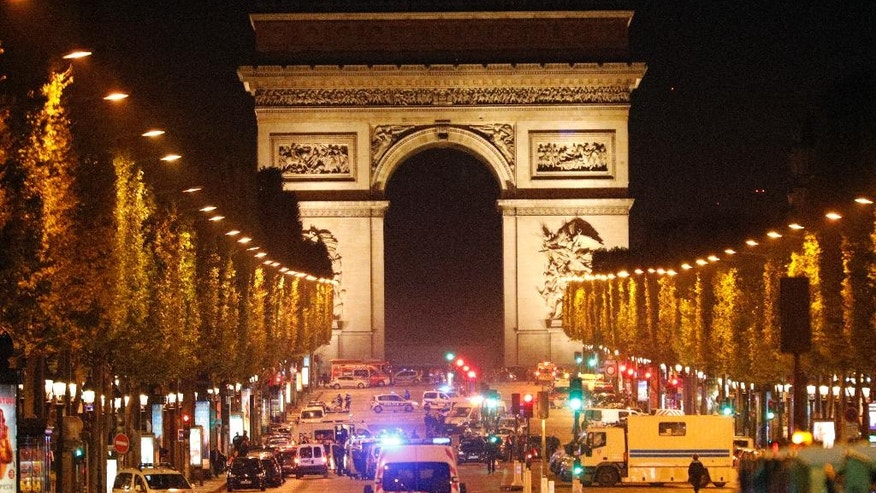 Cop killed in Paris shooting