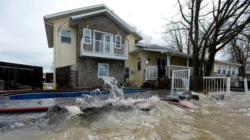 Floods Drive Nearly 1 900 From Homes In Canada 39 S Quebec