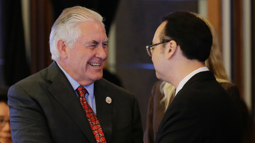 North, South Korean top diplomats talk in Manila