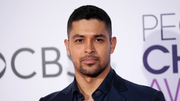 Actor Wilmer Valderrama arrives at the People's Choice Awards 2017 in Los Angeles, California, U.S., January 18, 2017. REUTERS/Danny Moloshok - RTSW635