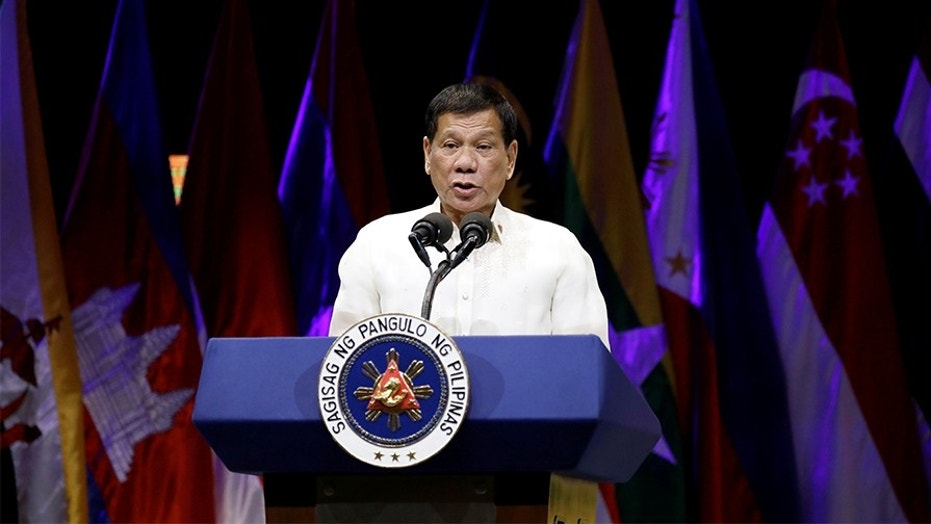 Philippine President Rodrigo Duterte has said he would be willing to shoot criminals himself.