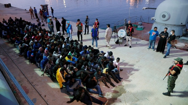 Migrants arrive at a naval base after they were rescued by Libyan Navy, in Tripoli, Libya November 4, 2017. REUTERS/Ahmed Jadallah - RC11ED585C50