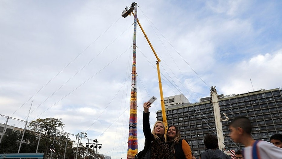 Israel's Lego toy towers over world record