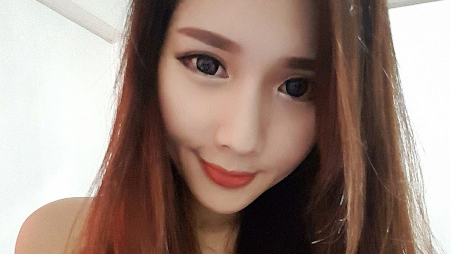 A freelance model died after reportedly suffered a brain hemorrhage while singing karaoke with friends.