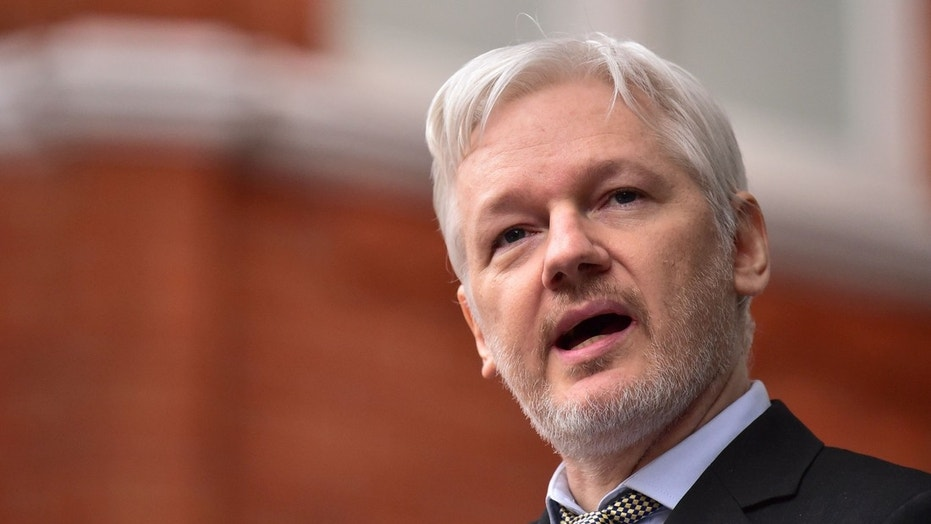 Ecuador granted citizenship to Wikileaks founder Julian Assange on Thursday.
