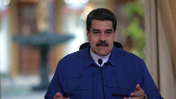 Venezuela's President Nicolas Maduro speaks during a meeting with ministers in Caracas, Venezuela January 11, 2018. Miraflores Palace/Handout via REUTERS ATTENTION EDITORS - THIS PICTURE WAS PROVIDED BY A THIRD PARTY. - RC1DFC6CDAC0