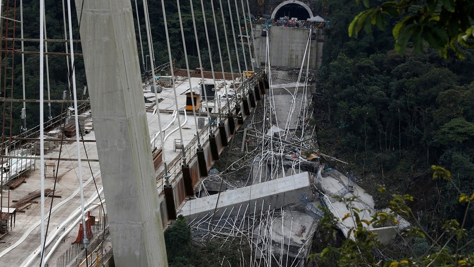 A bridge collapse killed 10 workers near Bogota, Colombia.