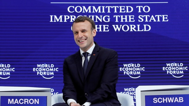France's President Emmanuel Macron gestures during the World Economic Forum (WEF) annual meeting in Davos, Switzerland January 24, 2018.  REUTERS/Denis Balibouse     TPX IMAGES OF THE DAY - RC11BB25E1C0