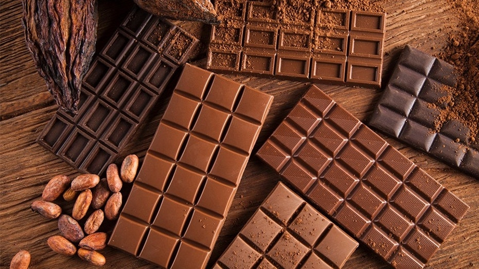 German police are still looking for the thieves responsible for stealing 48.5 tons of chocolate.
