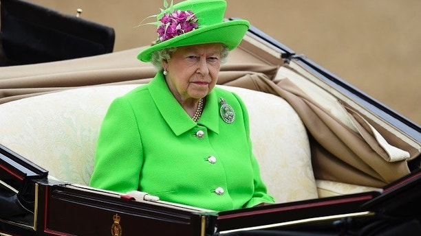Britain's Queen Elizabeth arrives at Horseguards Parade for the annual Trooping the Colour ceremony in central London, Britain June 11, 2016. Trooping the Colour is a ceremony to honour Queen Elizabeth's official birthday. The Queen celebrates her 90th birthday this year.    REUTERS/Dylan Martinez  - LR1EC6B0UVYF3