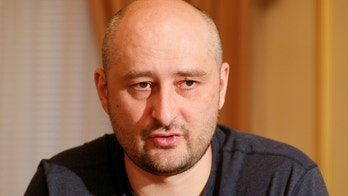 Russian dissident journalist Arkady Babchenko speaks during an interview with foreign media in Kiev, Ukraine May 31, 2018. REUTERS/Valentyn Ogirenko - RC1C0753E580