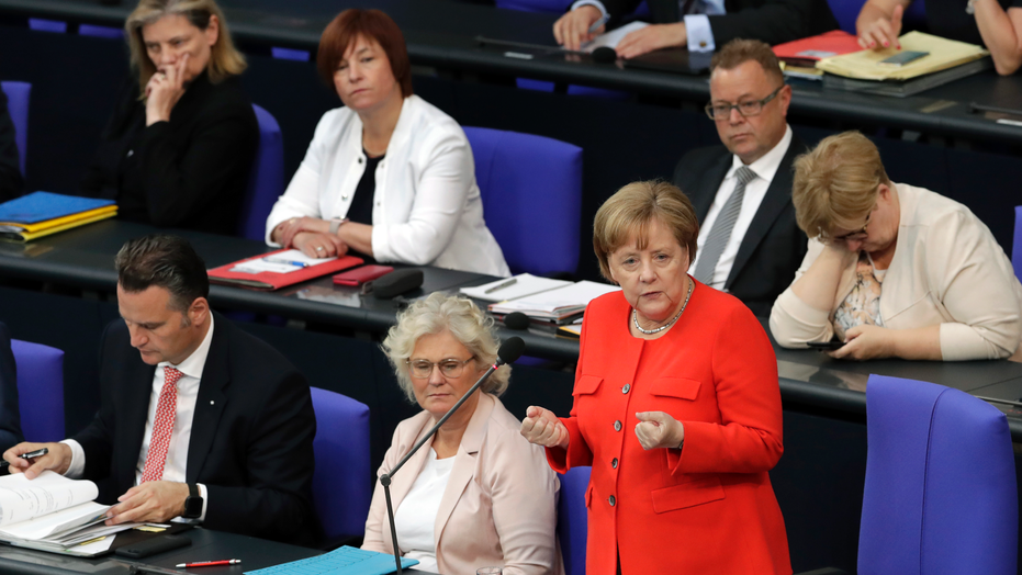 Merkel expects a 'difficult' G7 meeting