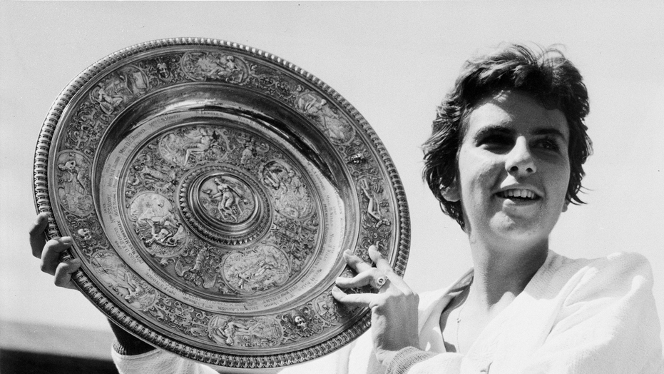Tennis great Maria Bueno buried in hometown of Sao Paulo, Brazil
