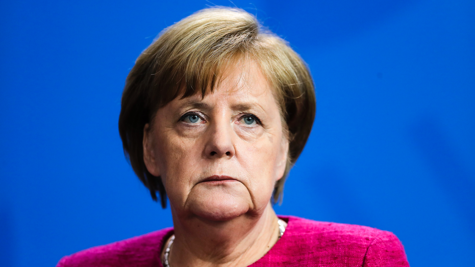 Merkel rejects ultimatum on migrants, has two weeks to reach European Union deal