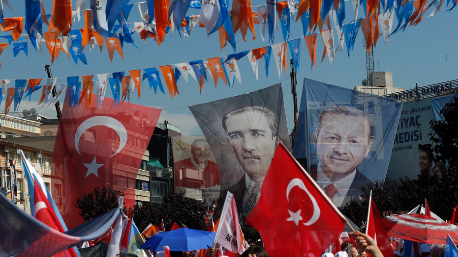Turkey's Erdogan at 55.08 pct with 70.5 pct of presidential votes counted