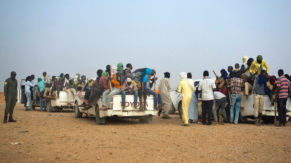 Nigeriens and third-country migrants head towards Libya from Agadez, Niger.