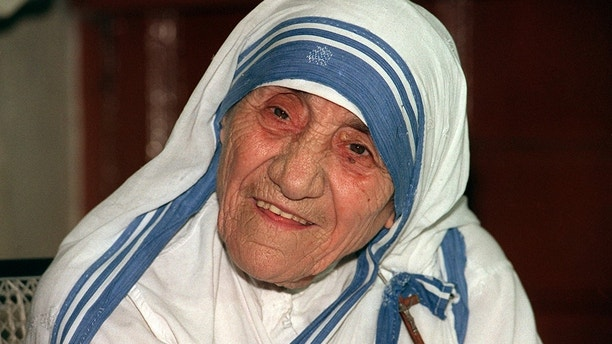 (dpa file) The file picture dated 11 April 1995 shows Roman Catholic nun and Nobel Peace Prize Laureate Mother Teresa. Ten years ago Mother Teresa passed away on 05 September 1997 in Calcutta, India. Pope John Paul II beatified her in 2003, ssanctification is likely to follow. The 'Angel of the Poor' founded the  order's first last residence in Calcutta, today about 5,000 of such so-called 'missionaries of charity' found their mission. Photo by: Tim Brakemeier/picture-alliance/dpa/AP Images
