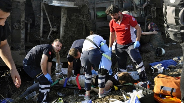 Train derails in Turkey, scores dead and injured