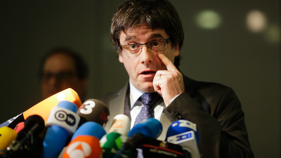 Former Catalan leader Carles Puigdemont can be extradited, say judges